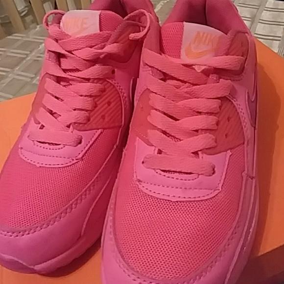 uk availability c184c 6be37 Pre owned Nike air max 90 women fashion. M 5c26c1c83e0caafeb93cc486